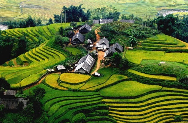 the mountainous Sapa of Vietnam - visa to Vietnam for UK citizens and residents