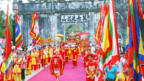 Con Son Kiep Bac autumn festival - Vietnam-visa.co.uk